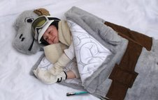 You know you want to cozy up in a tauntaun sleeping bag too...